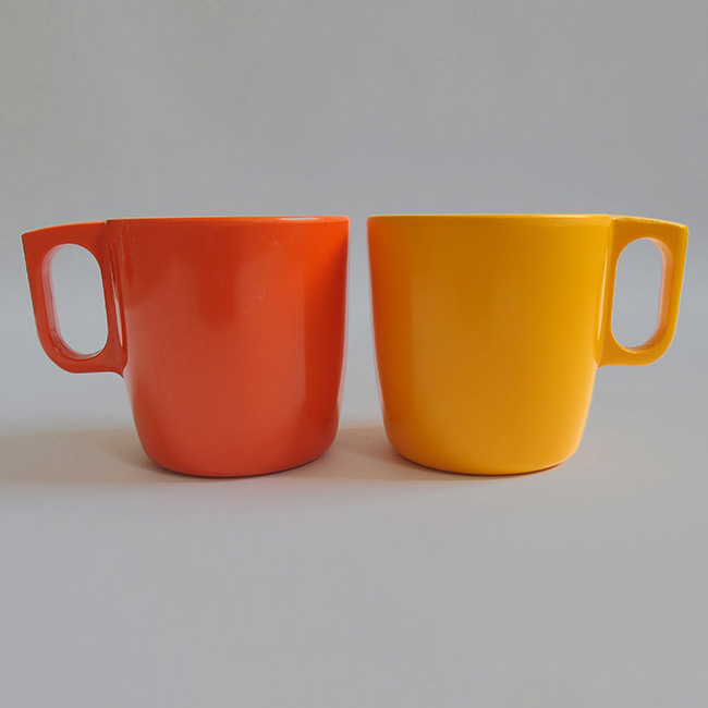 Pair of vintage Rosti Mepal Service melamine mugs made in Denmark