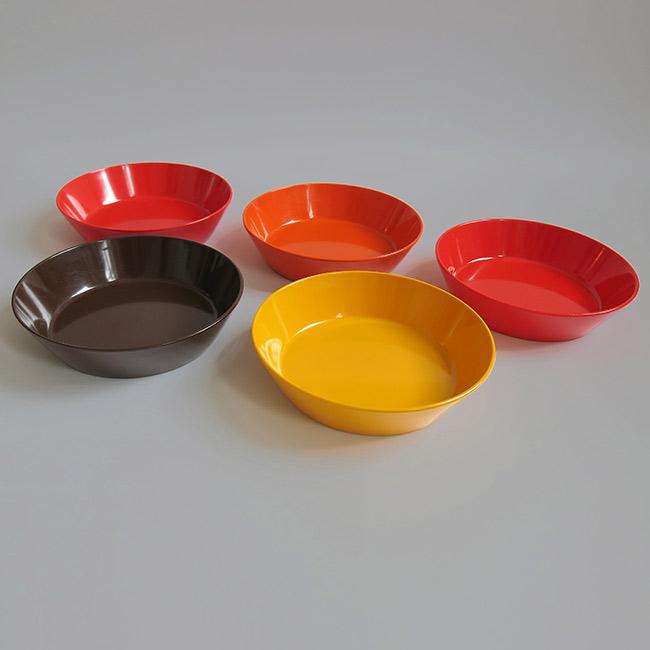 Set of 5 vintage rosti mepal dinnerware melamine dishes for Cuisine melamine