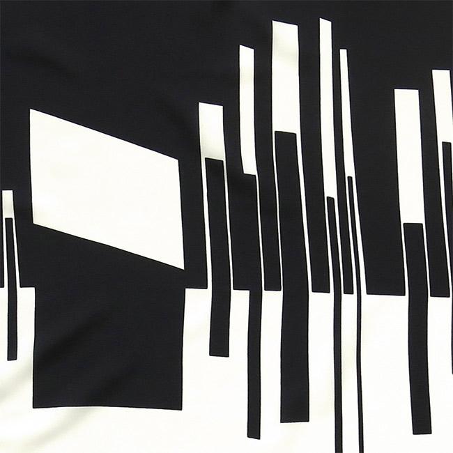 Headscarf with monochrome geometric design