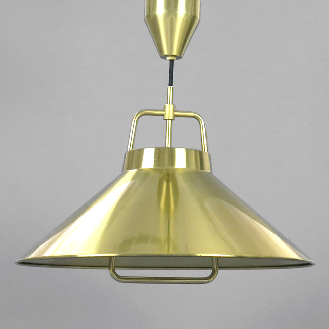 Rise-and-fall pendant light designed by Fritz Schlegel for Lyfa