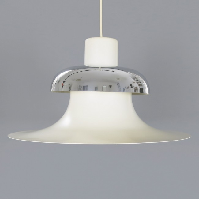 Mandalay pendant lamp designed by Andreas Hansen for Louis PoulsenLouis Poulsen