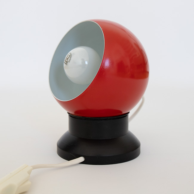 Red space-age ball lamp by ES Horn Belysning A/S of DenmarkES Horn Belysning