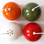 Horn Belysning ball pendants in various colours
